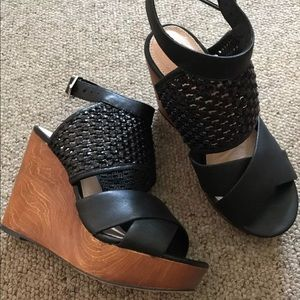 Torrid Black leather wooden wedges 7.5